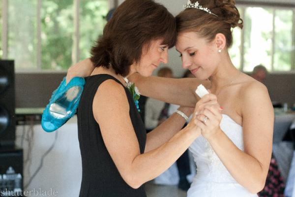 thank you mom 35 Beautiful Mother of The Bride Hairstyles