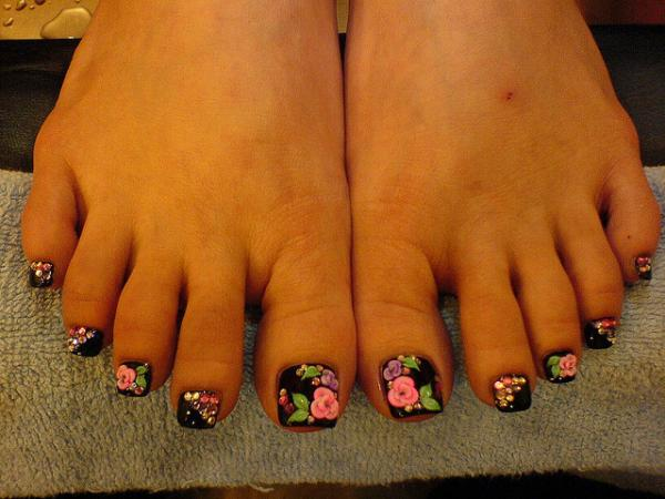 Three D Nail Art On Foot