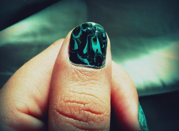 Dark Green Shaded Nails