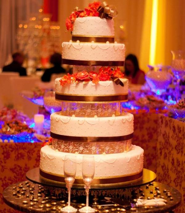 5 story wedding cake 30 Yummy Pictures of Cakes