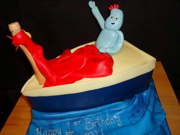 iggle piggle cake 30 Yummy Pictures of Cakes