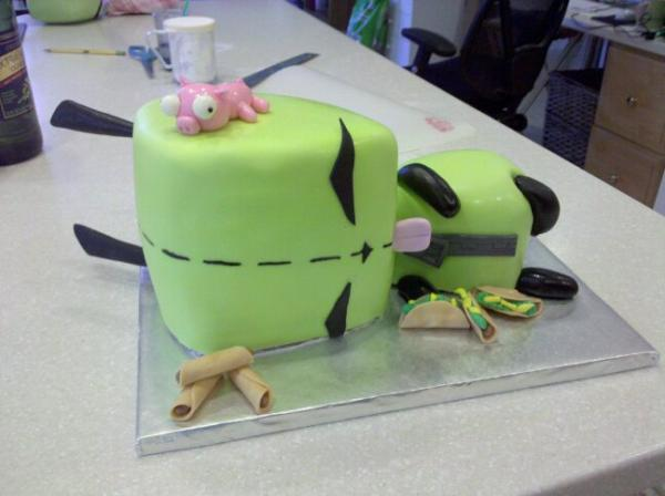 sculpted gir 30 Yummy Pictures of Cakes
