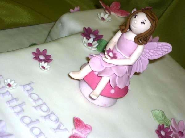 birthday fairy cake 30 Dazzling Pictures of Fairies