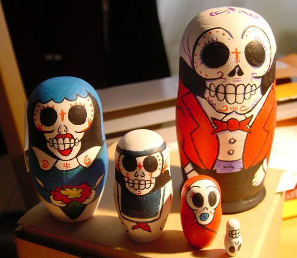 nesting skull doll 30 Chilling Pictures of Skulls