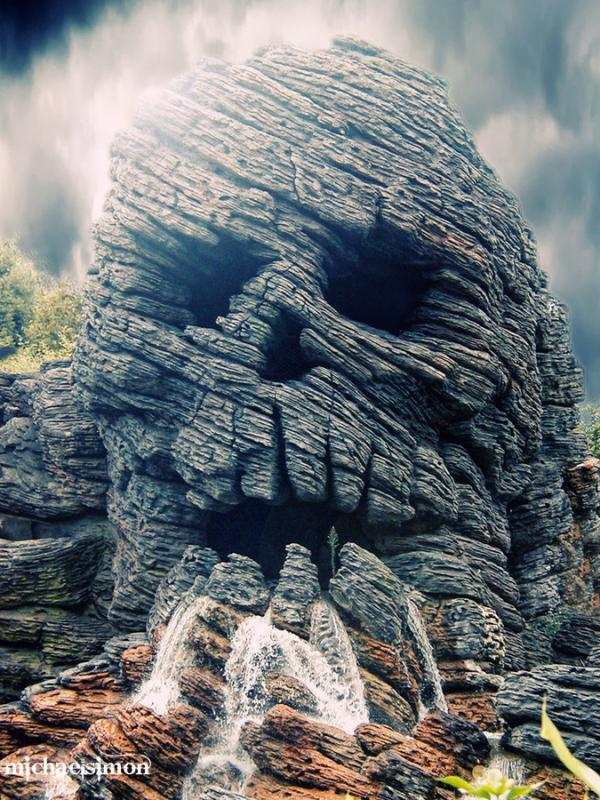 Skull In Mountain