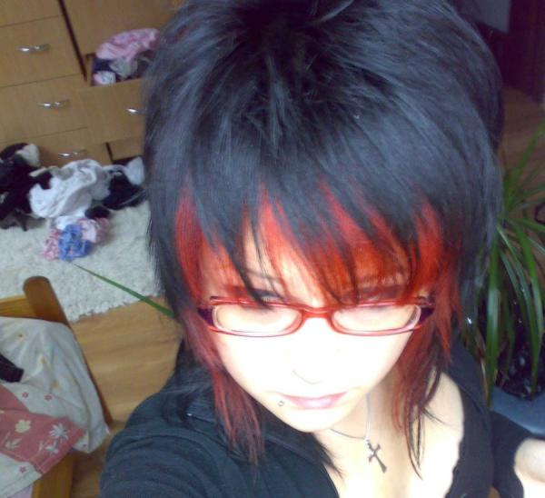 emo past 25 Groovy Short Emo Hairstyles