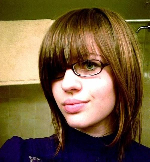 trendy sexy emo girl 25 Groovy Short Emo Hairstyles
