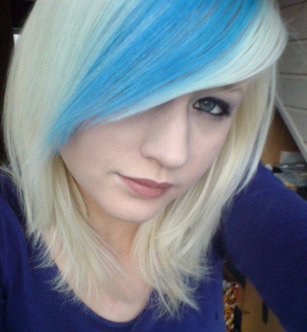 Short Blonde Hair With Blue Highlights Hair Color Ideas And Styles