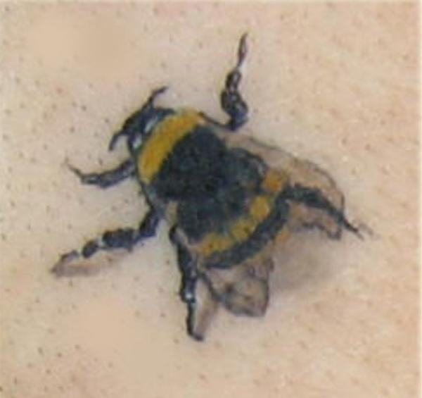 bumble bee 35 Small Tattoos For Girls Which Looks Really Cute