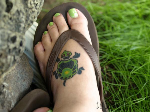 green ghost 30 Jazzy Turtle Tattoos