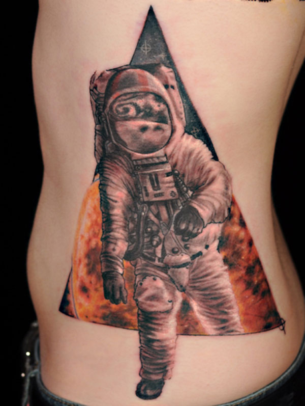 astronaut 40 Awesome Tattoos You Should Check Today
