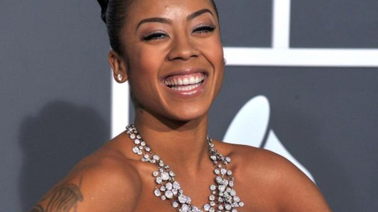 30 Keyshia Cole Hairstyles Which Look Simply Great On Her - SloDive
