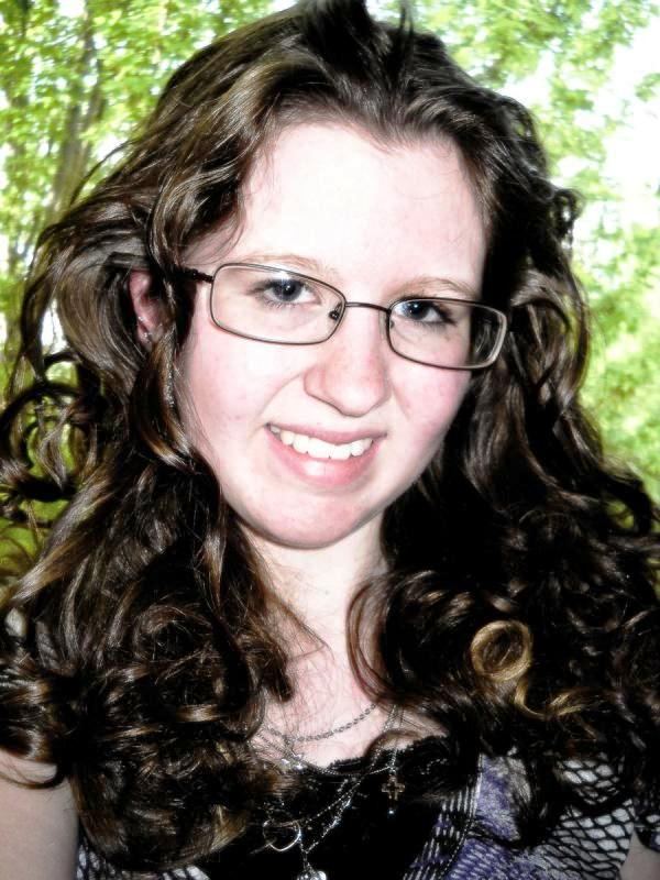 after prom 30 Cute Hairstyles For Curly Hair Which Looks Exotic