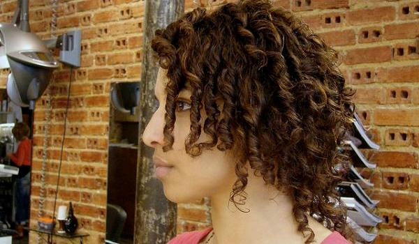 Wondrous 30 Cute Hairstyles For Curly Hair Which Looks Exotic Slodive Hairstyles For Women Draintrainus