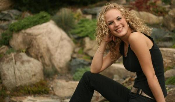 Groovy 30 Cute Hairstyles For Curly Hair Which Looks Exotic Slodive Hairstyles For Women Draintrainus
