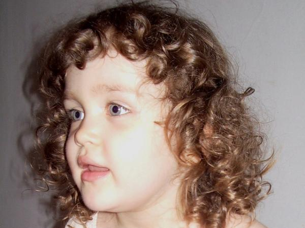 30 Cute Hairstyles For Curly Hair Which Looks Exotic Slodive