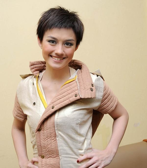 Cute Messy Short Hairstyle