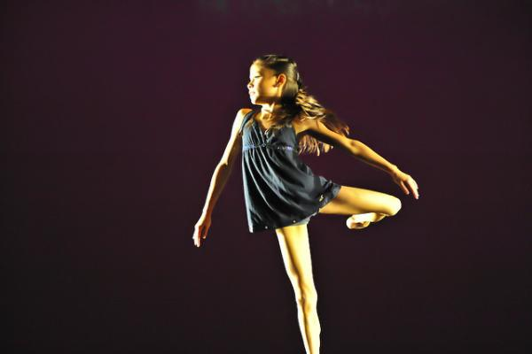 Arabesque Dancing