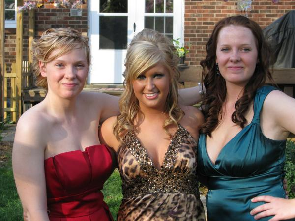 senior prom 35 Half Up Hairstyles Which Will Add Charm To Your Personality
