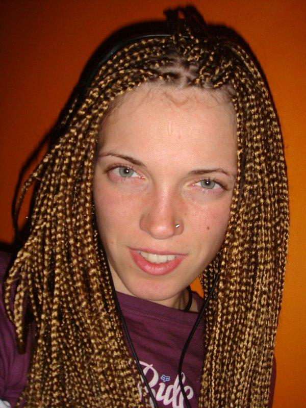 30 Cool Micro Braids Hairstyles - SloDive