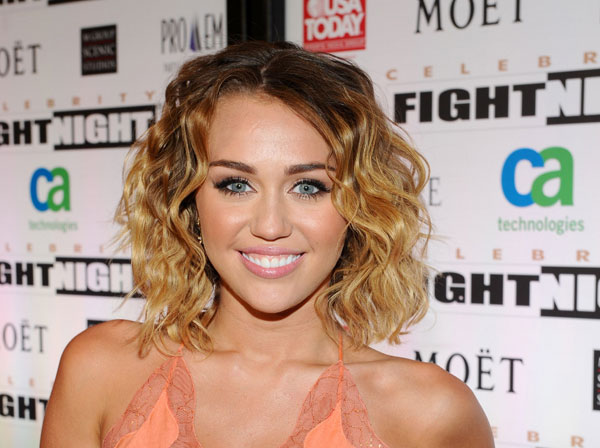 miley cyrus short hair 30 Miley Cyrus Hairstyles Which Look Awesome