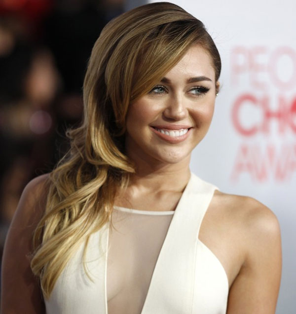 peoples choice awards photo 30 Miley Cyrus Hairstyles Which Look Awesome