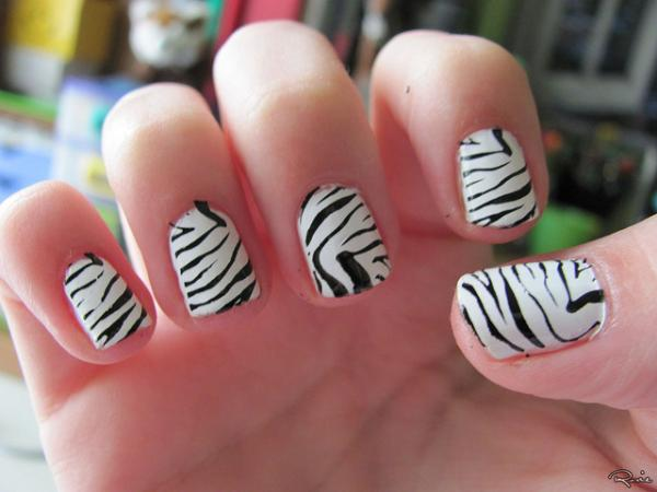 Zebra Printed Nails