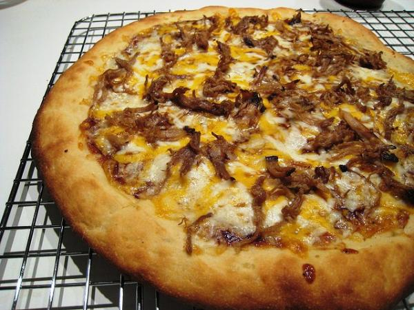 barbecue pizza 30 Delicious Pictures of Pizza