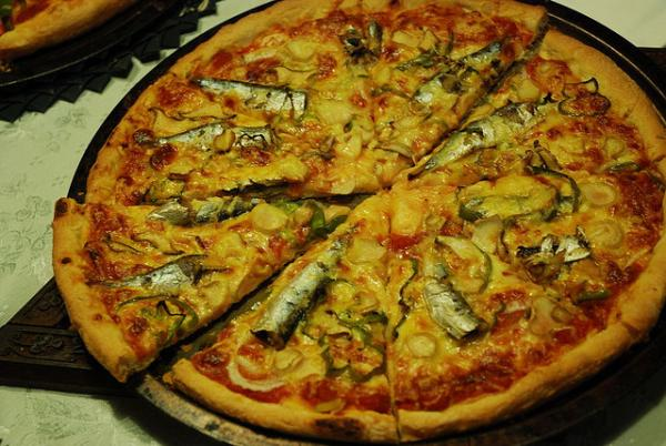 sardines pizza 30 Delicious Pictures of Pizza