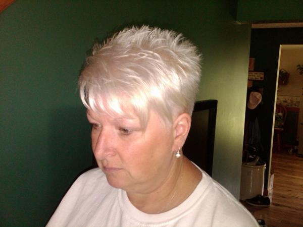panic virgin snow 30 Nicest Short Shag Hairstyles