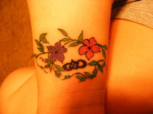 cool wrist 40 Glamorous Wrist Tattoos For Girls