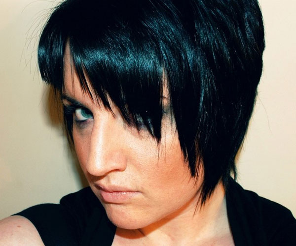 black short hairstyle with layers and swept bangs 35 Awesome Black Short Hairstyles