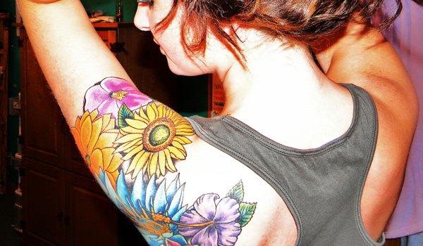 iron hand tattoo 25 Amazingly Colorful Tattoos