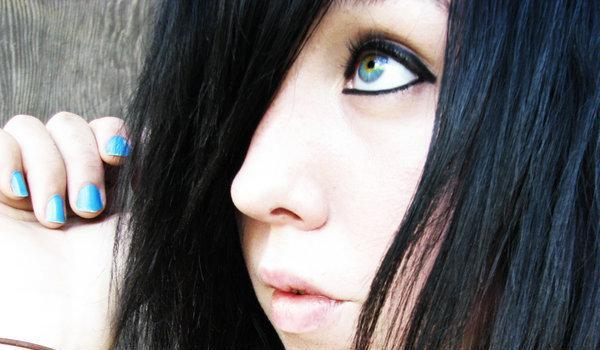 gorgeous emo girl 45 Groovy Emo Hairstyles For Girls