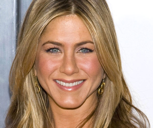 Facial pictures of jennifer anniston
