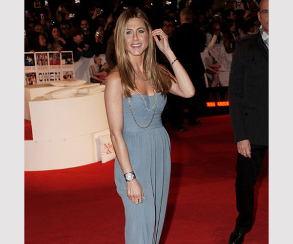 Long Straight Hairstyle From Jennifer Aniston