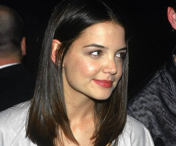 medium straight hair 30 Breathtaking Katie Holmes Hairstyles