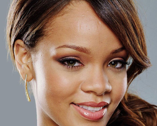 Rihanna Close Up