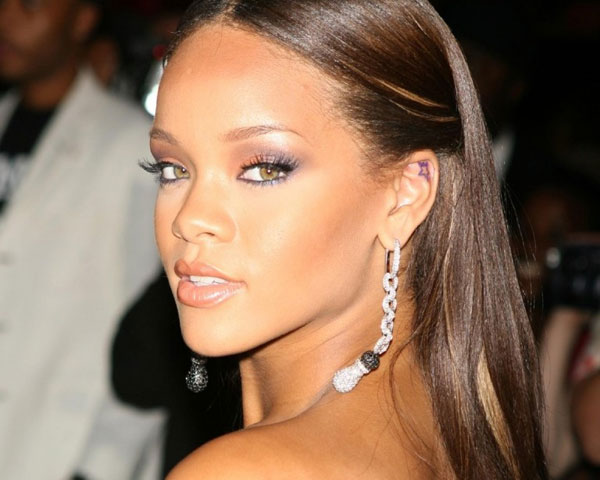 Miraculous 60 Rihanna Hairstyles Which Look Extraordinary Slodive Short Hairstyles For Black Women Fulllsitofus