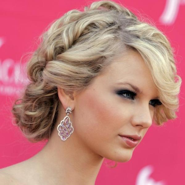 new hairstyle 30 Phenomenal Taylor Swift Hairstyles
