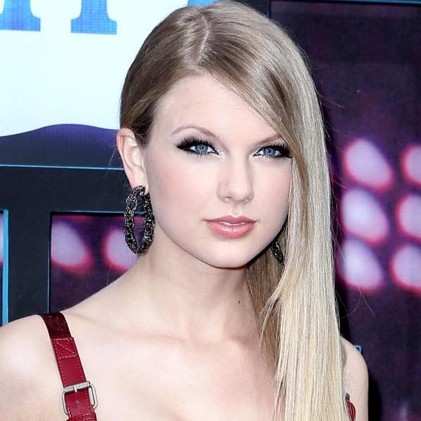 30 phenomenal taylor swift hairstyles slodive swify straight hair voltagebd Image collections