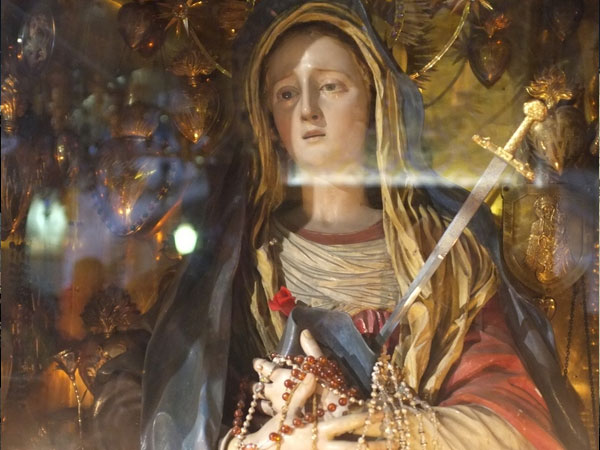 30 Majestic Virgin Mary Pictures