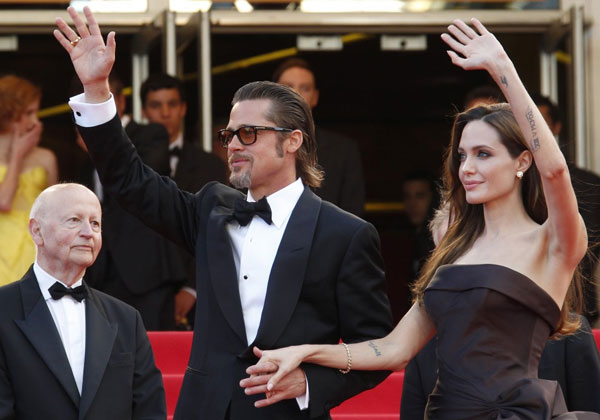 angelina jolie and brad pitt 20 Sexy Angelina Jolie Tattoos