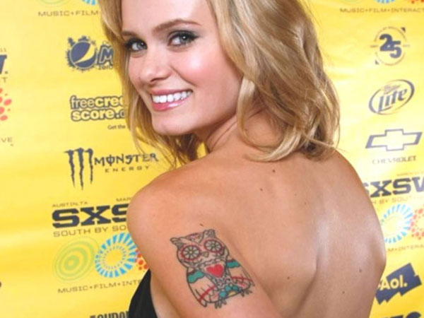 sara paxton 25 Awesome Celebrity Tattoos Female