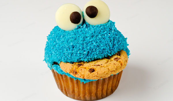 cookie monster cupcake 25 Cool Cookie Monster Pictures
