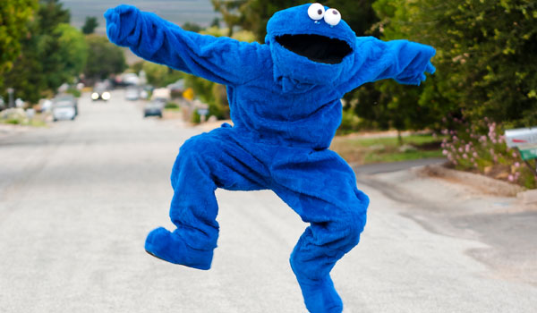 cookie monster jumping 25 Cool Cookie Monster Pictures