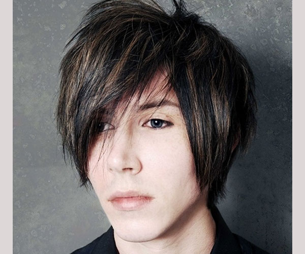 Surprising 35 Magnificent Emo Hairstyles For Guys Slodive Short Hairstyles Gunalazisus