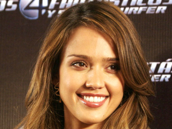 cool jessica alba hairstyle 30 Jessica Alba Hairstyles Which Are Hot