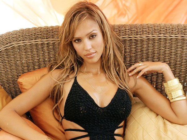 jessica alba photoshoot 30 Jessica Alba Hairstyles Which Are Hot