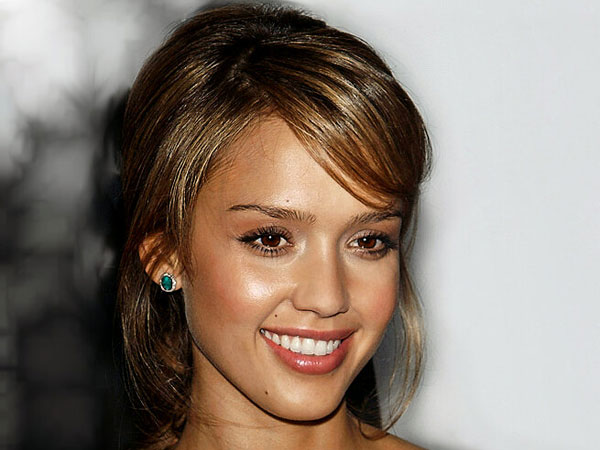 pretty updos 30 Jessica Alba Hairstyles Which Are Hot